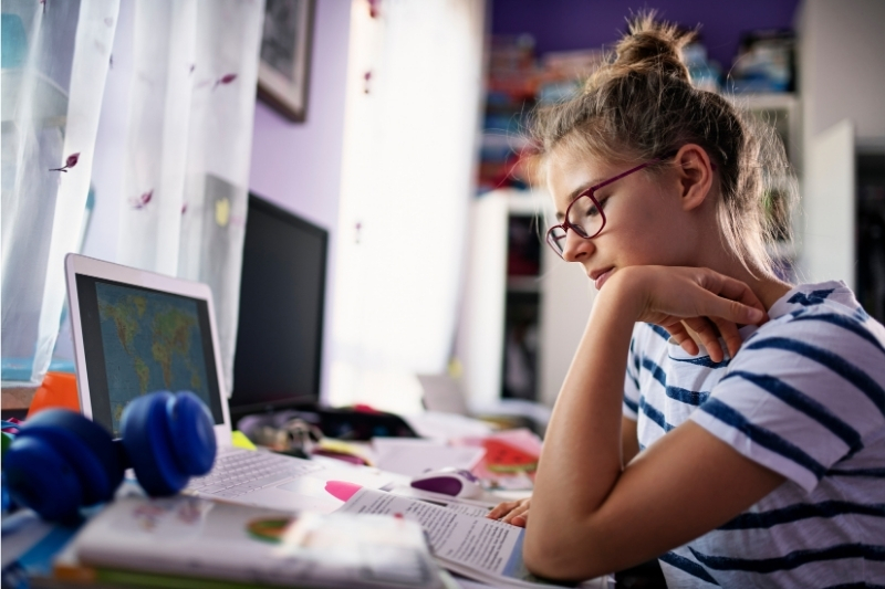 Can homeschooled students take college classes while in high school?